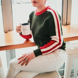 Sweaters - LIKE NEW Green & Red Sweater